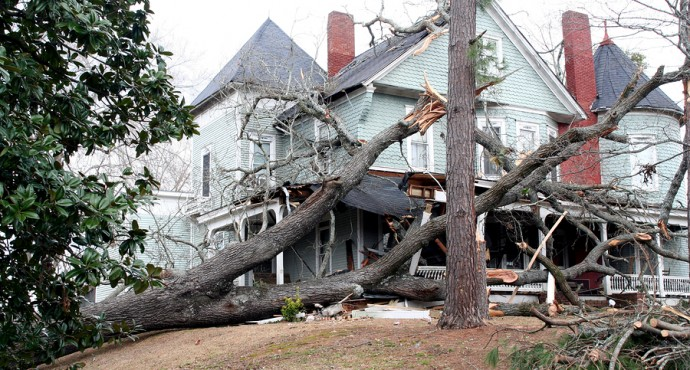 How To Pick The Right Storm Damage Repair Company