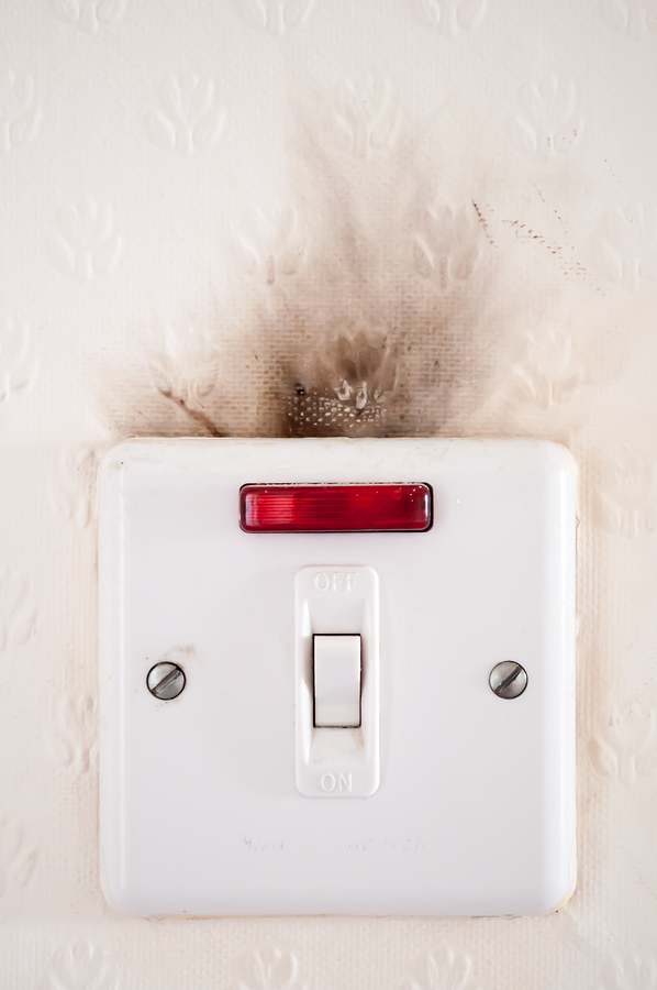 4 Warning Signs That You Have Faulty Wiring